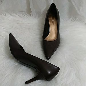 New CONNIE Pointed Toe Pumps